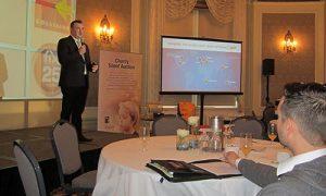Steve Leal, Président de Fix Auto World, a inauguré la réunion en expliquant sa vision de la croissance et de l'innovation.