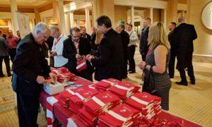 L'AIA Canada a confirmé que ses écharpes de la Fondation 'High Fives For Kids' ont tous été vendues pendant l'événement, ce qui a permis de recueillir des fonds pour la fondation.